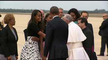 Malia Obama greets Pope Francis