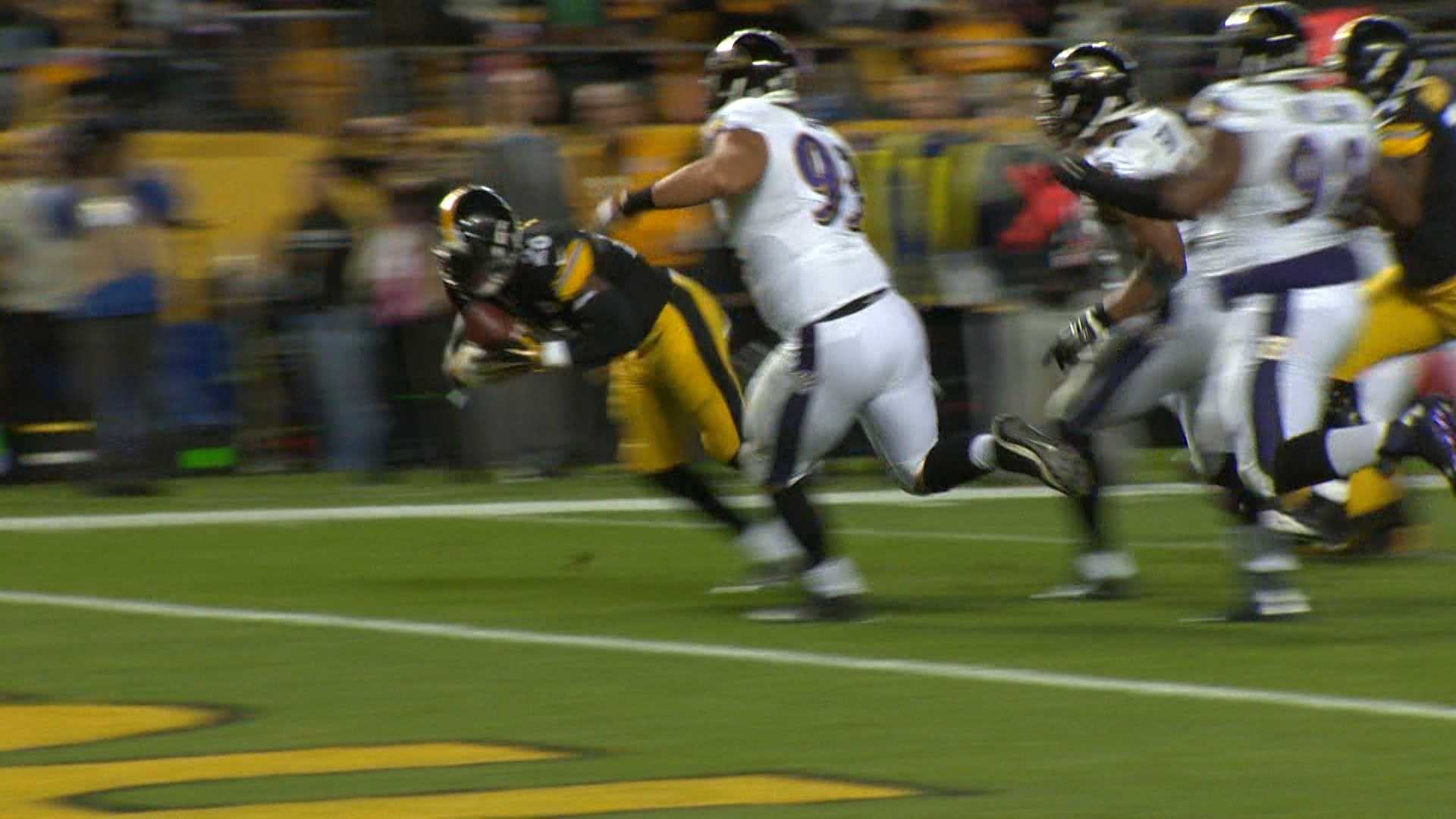 Le'Veon Bell rushed for the Steeler's first touchdown of the night against the Baltimore Ravens.