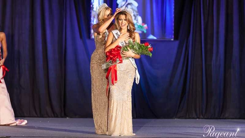 Elena LaQuatra is crowned Miss Pennsylvania USA 2016.
