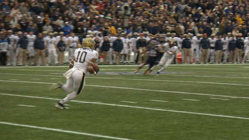 Quadree Henderson returned the opening kickoff 100 yards for a Pitt touchdown against Navy in the Military Bowl.