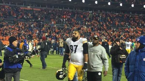 Peyton Manning rescued the butter-fingered Broncos with a late touchdown drive and Denver advanced to the AFC championship game with a 23-16 win over Ben Roethlisberger and the Pittsburgh Steelers on Sunday. (Photo courtesy Andrew Stockey)