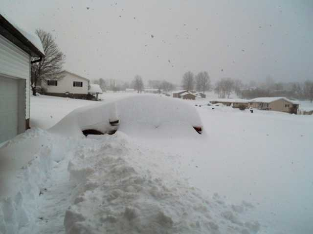 Snow at 25 inches (Photo: NannyVilk).