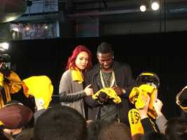 Fans had the opportunity to snag autographs, pictures and selfies with Steelers wide receiver Antonio Brown and professional dancer Sharna Burgess.