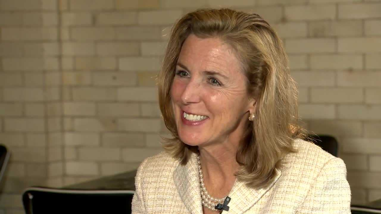 img-Katie McGinty on heavy establishment support