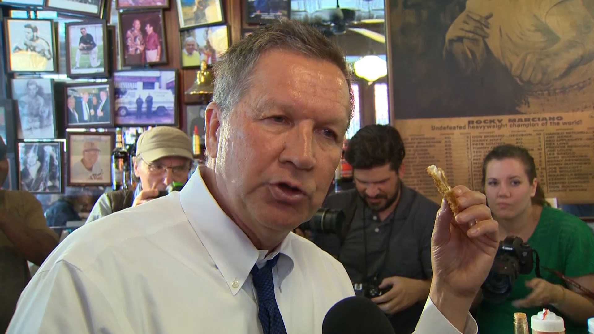John Kasich chowed down while campaigning at the Original Oyster House.