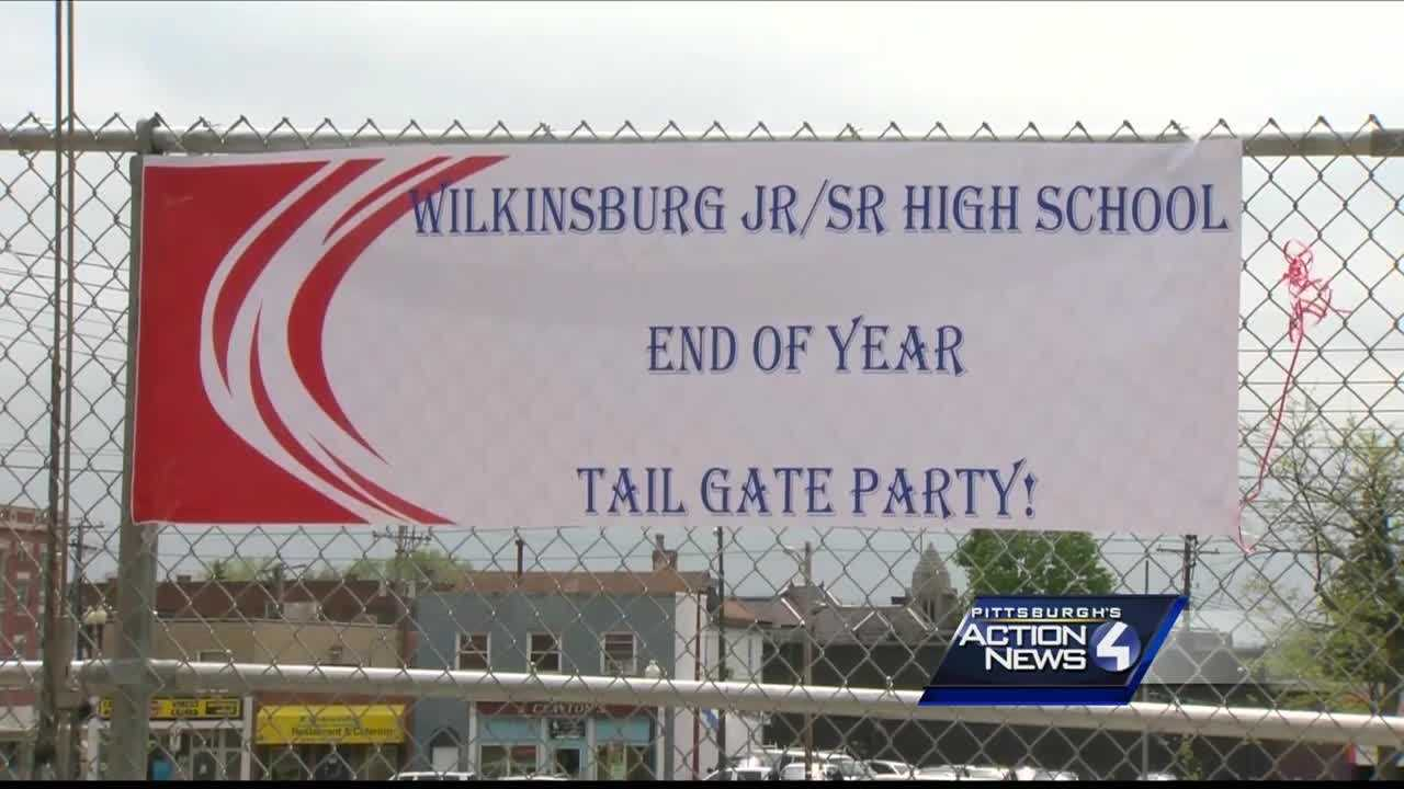 img-Tailgate lets Wilkinsburg students say goodbye to school