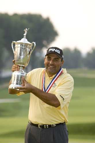 Angel Cabrera with the trophy after winning the 2007 U.S. Open at Oakmont Country Club in Oakmont, Pennsylvania on Sunday, June 17, 2007.