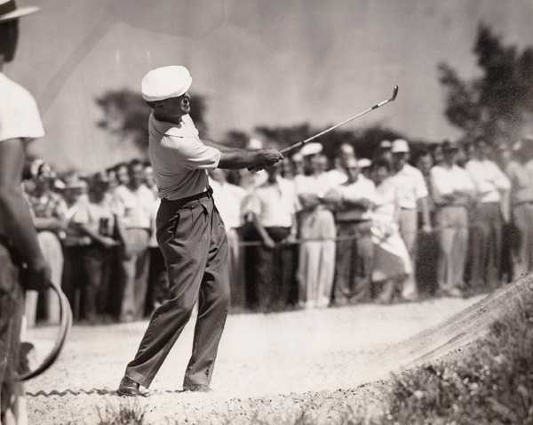 Ben Hogan chips from the ninth hole sand trap during the 1953 U.S. Open at Oakmont Country Club in Oakmont, Pa. June 9, 1953