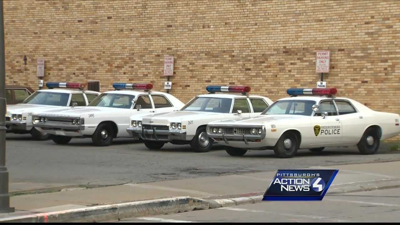img-old police cars
