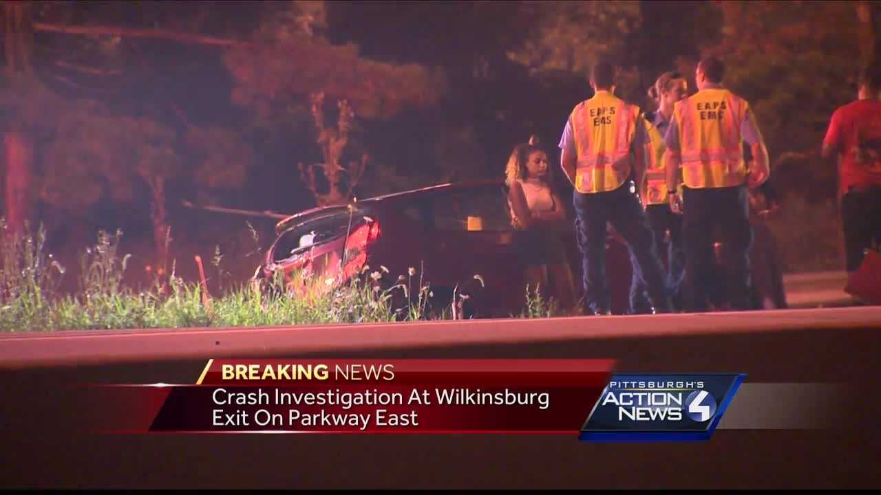 Vehicles damaged in Parkway East crash near Wilkinsburg