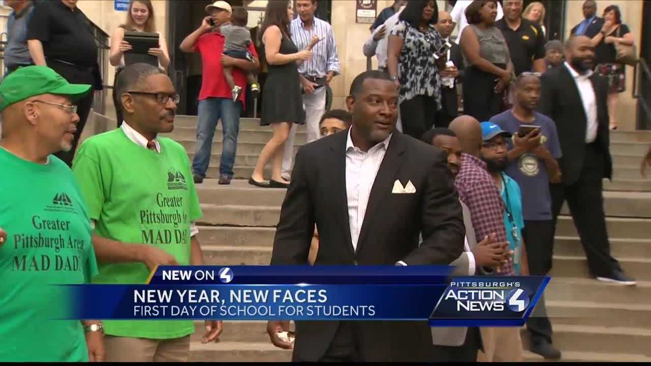 Students at Pittsburgh Public Schools head back to class under new superintendent