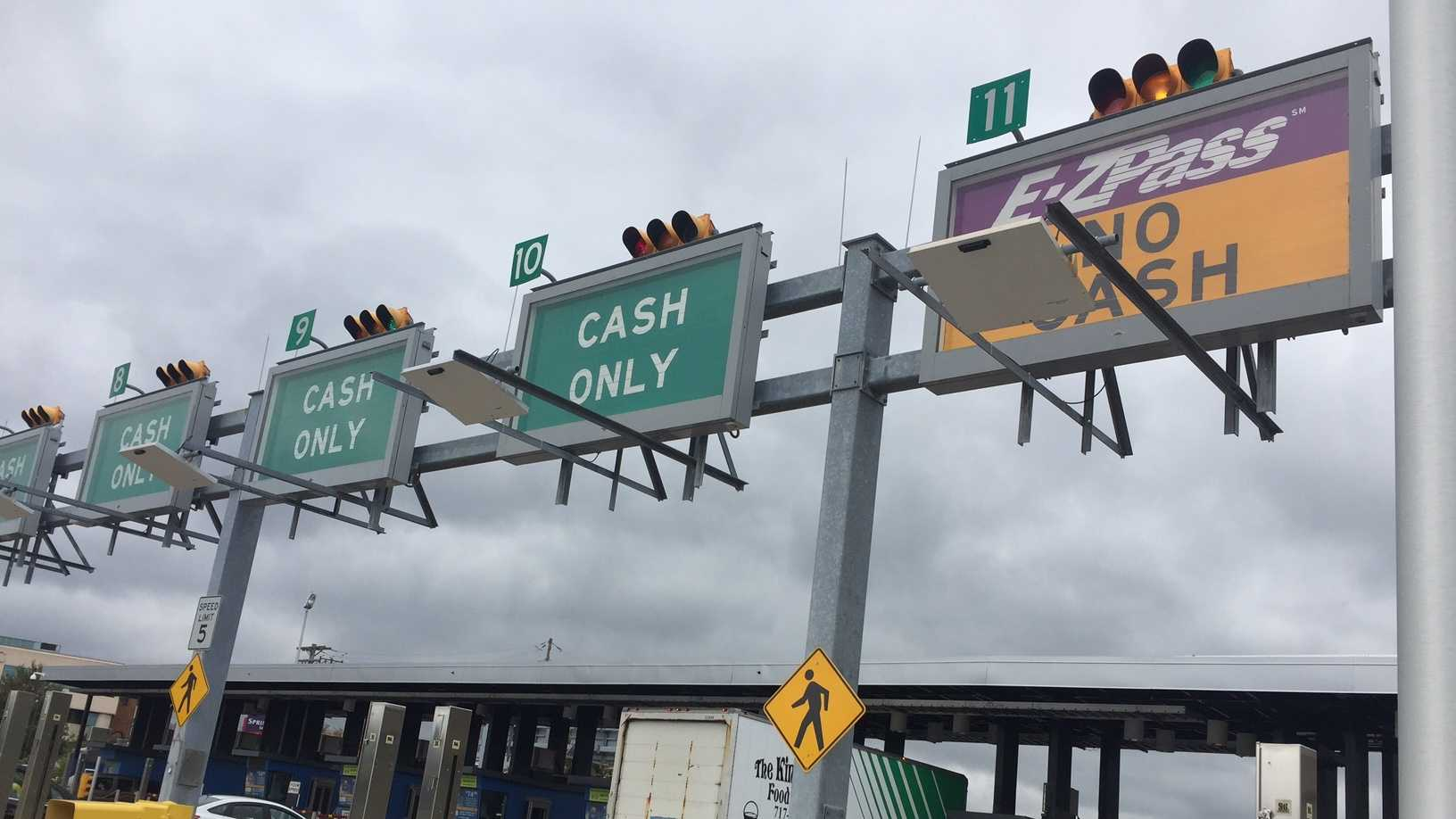 Pennsylvania Turnpike tollbooths, e-ZPass, cash only