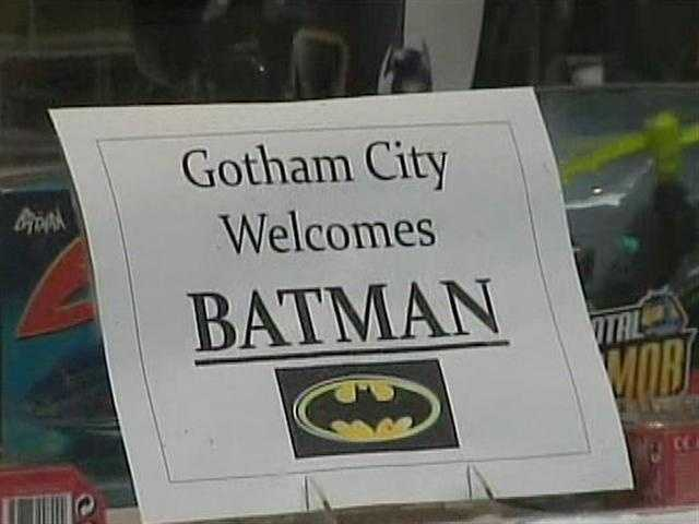 Downtown businesses tried to attract customers from the crowds of Batman fans who were checking out the movie shoot.
