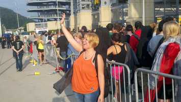 """As many as 10,000 people were expected to register at Heinz Field for their chance to sing for the """"American Idol"""" producers, and possibly even the judges."""