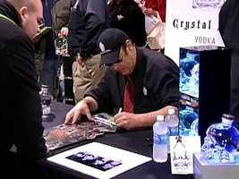 Dan Aykroyd signing autographs at PA Wine & Spirits Store in Shadyside.
