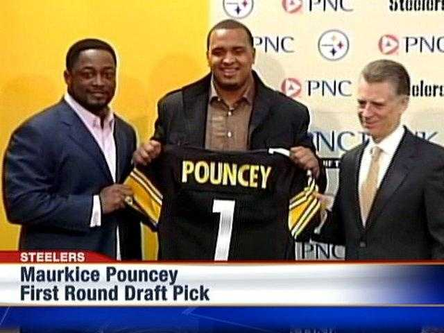 2010: The Steelers chose Maurkice Pouncey with the No. 18 pick in the first round of the NFL Draft.