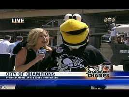 Shannon Perrine interviews the Penguins' mascot, Iceburgh.