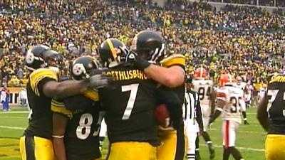 The Steelers celebrate a touchdown against the Browns.