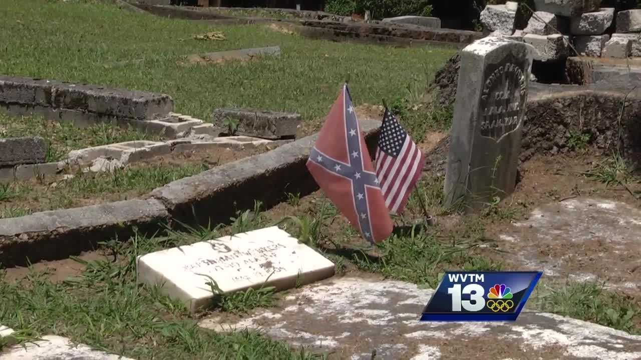 Are Confederate flags disappearing from cemeteries?