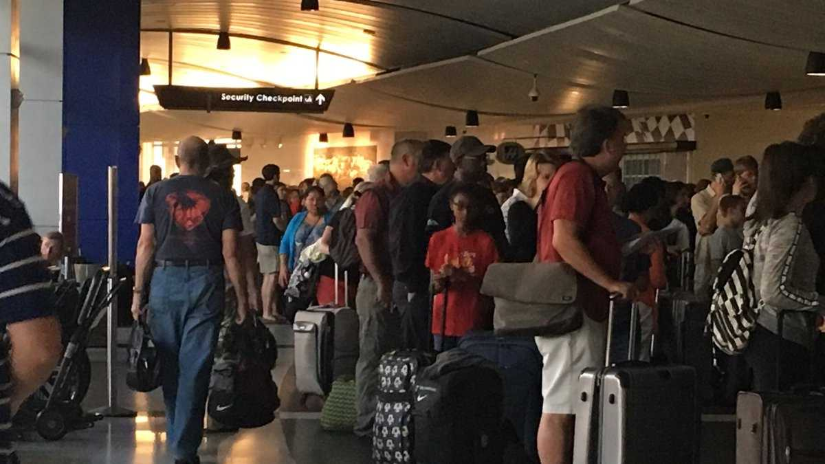 airport delays.jpg