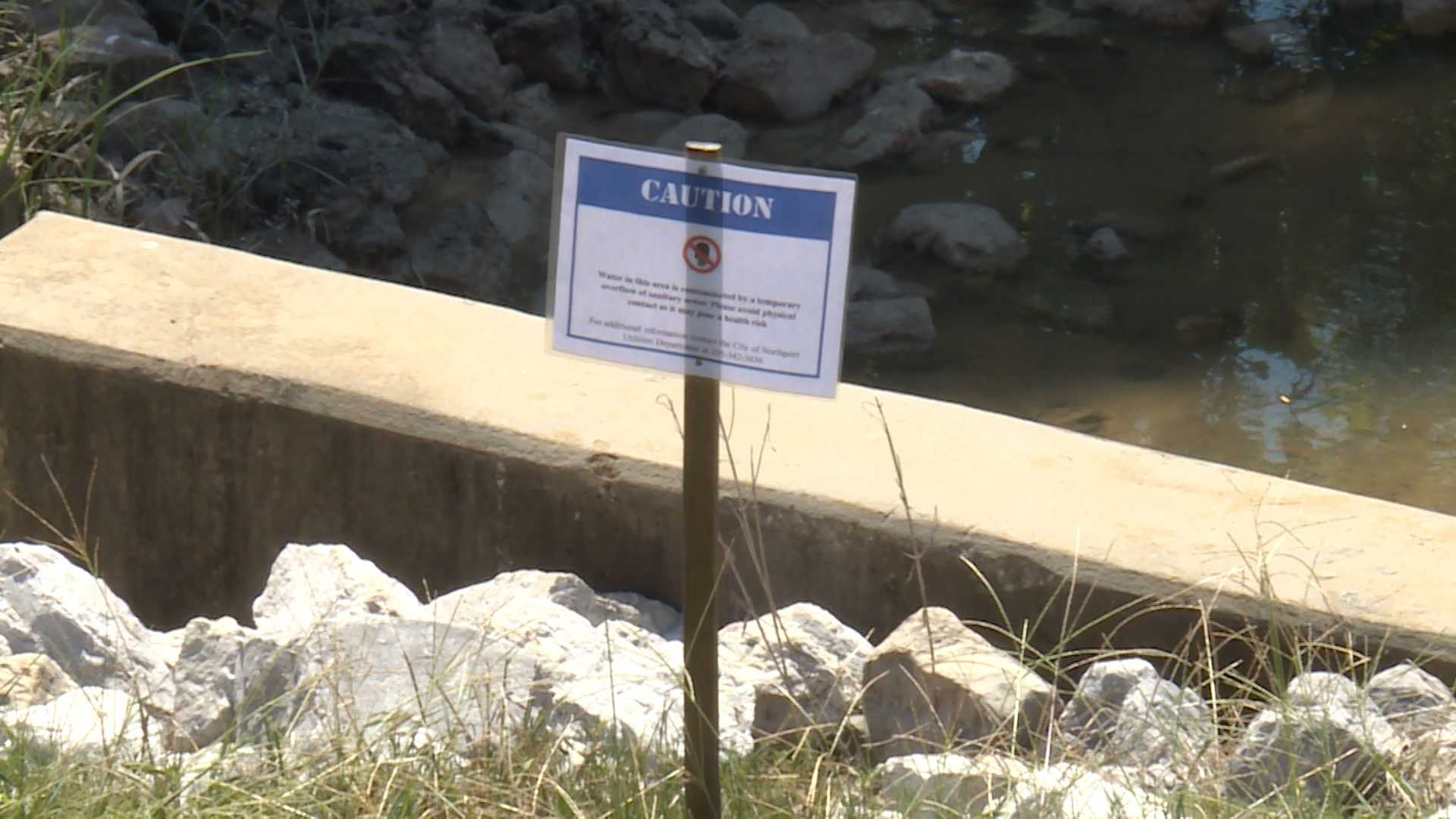 A large amount of sewage spilled into the Black Warrior River on Wednesday because of a pumping station malfunction.