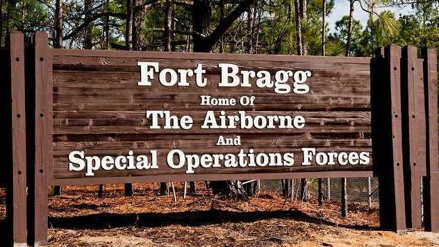Fort Bragg Sign - 30569928