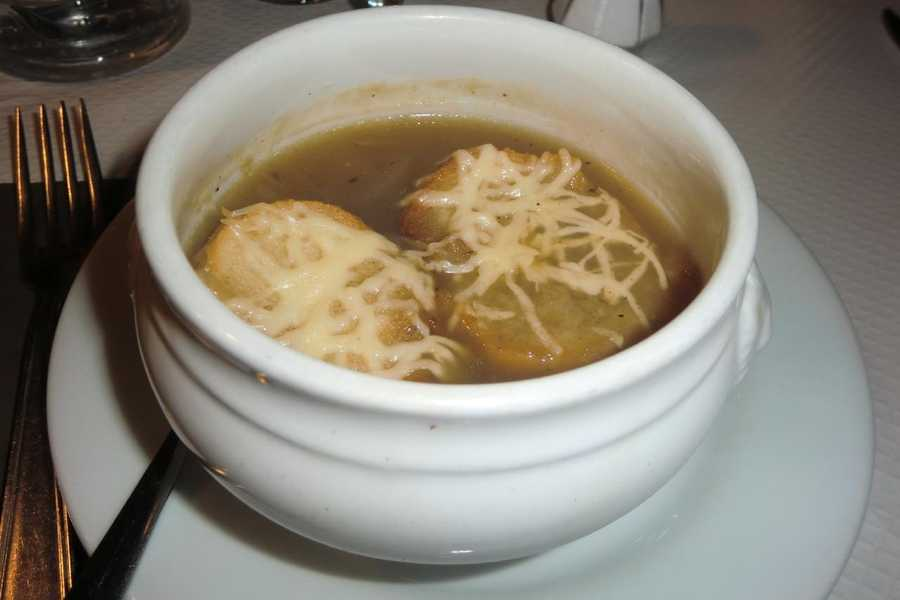 Real French Onion Soup can be eaten on your honeymoon and/or destination wedding while in Paris, France. Or try to serve this and other french foods at the wedding parties or reception.