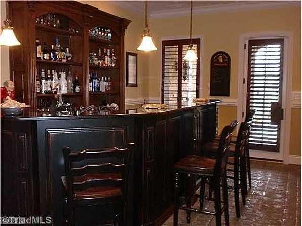 Wine Pub