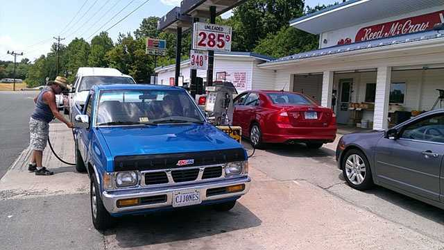 Cheap gas at Reed McCraw's market in Cana, Va. (William Bottomley/WXII)