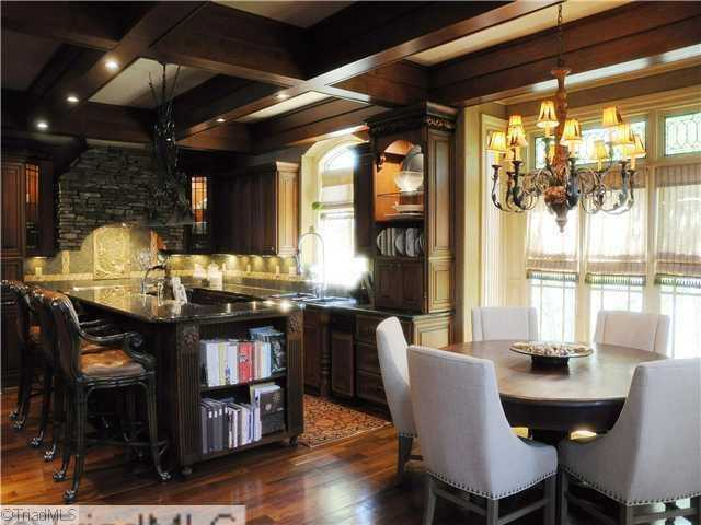 Gourmet Kitchen and Breakfast Area