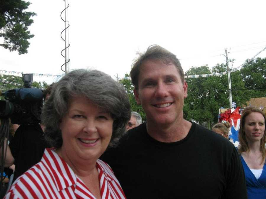 Nicholas Sparks poses for a picture with one of the event-goers.