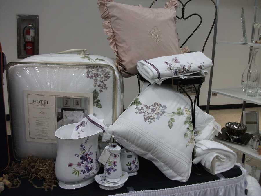 Belk coordinating bath and bed designs are very thoughtful gifts. Maybe family members can get together and help by the whole set for a couple...