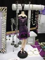 Lia Sophia has several gifts to offer the bride as well as the bridesmaids...