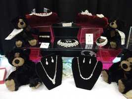 Don't forget the bling by having the wedding party wear Tiaras, beautiful ear rings and necklaces. (Ruby Surprise Gifts)
