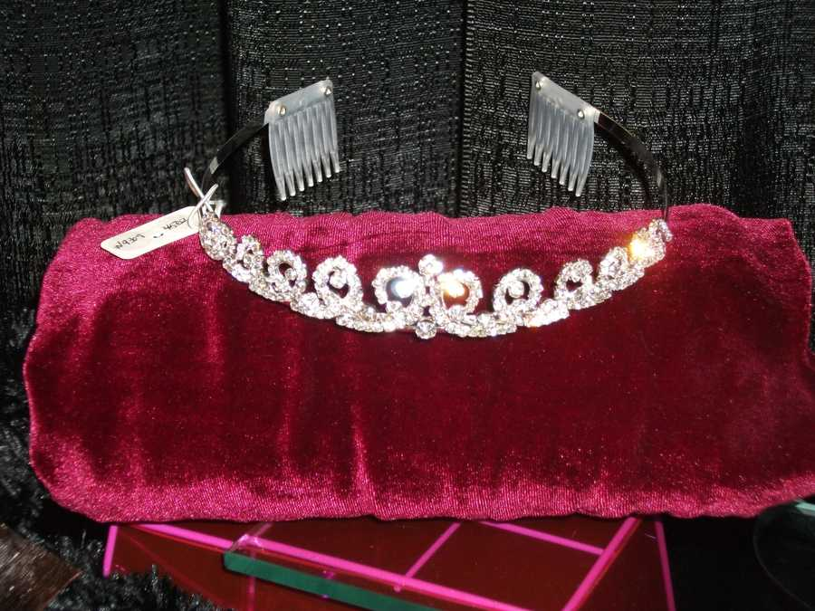 A tiara for the bride to wear during her wedding would make a nice gift. Or this is a good place to get your tiara for areasonableprice...(Ruby Surprise Gifts)