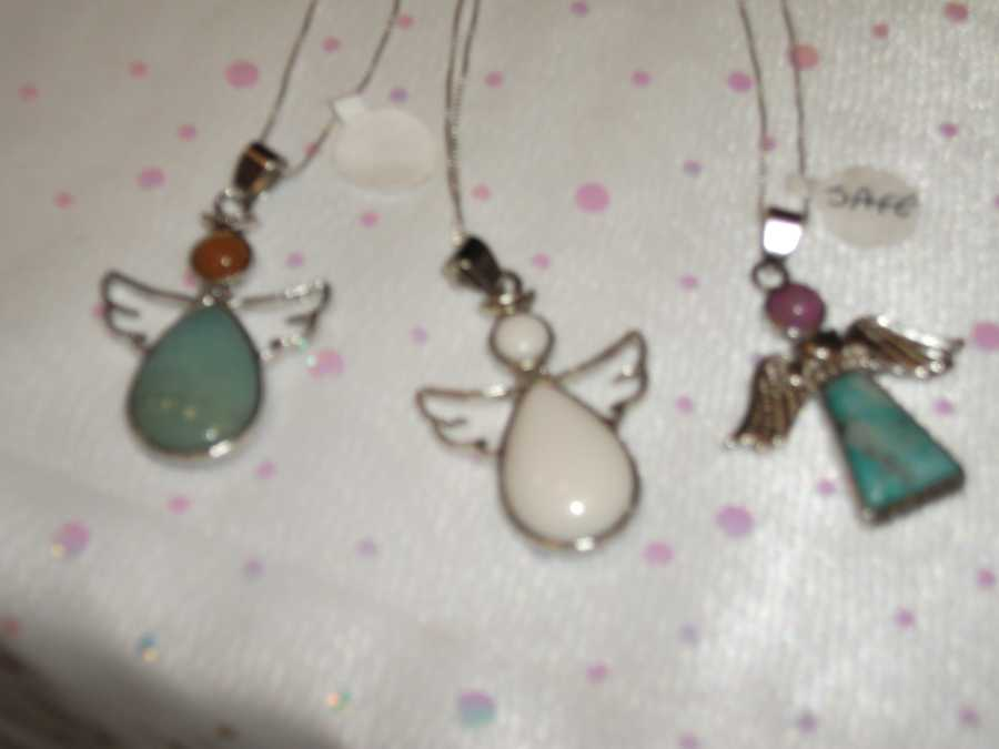 Little angel necklaces can be given to the kids in the wedding from the flower girl to the ring bearer. Or even the children who are guests...(Ruby Surprise Gifts)