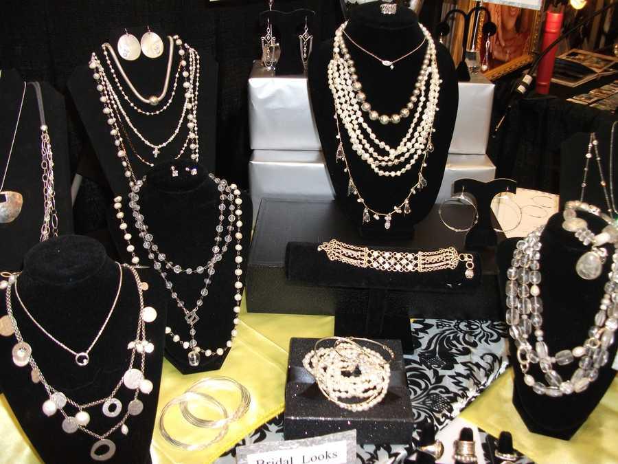Silpada jewelry booth represented atThe Carolina Weddings Show.