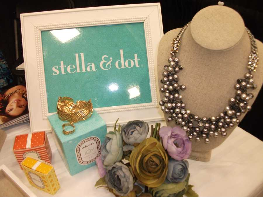 Stella & Dot have unique gifts for the whole wedding party...