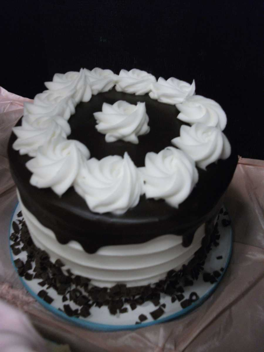 Who does not love chocolate? This is a great grooms cake because they usually love this flavor...(Cakes & All Things Yummy)