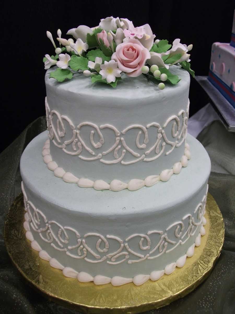 Nicely styled traditional cakes can have one layer or more depending on what the couple decides...(Mrs. Pumpkins)