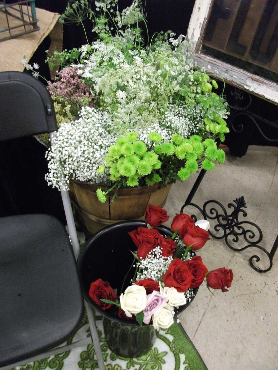 More Country/Western Themed decor that could be used to decorate the aisle for the wedding ceremony. (Dahlias Flowers)