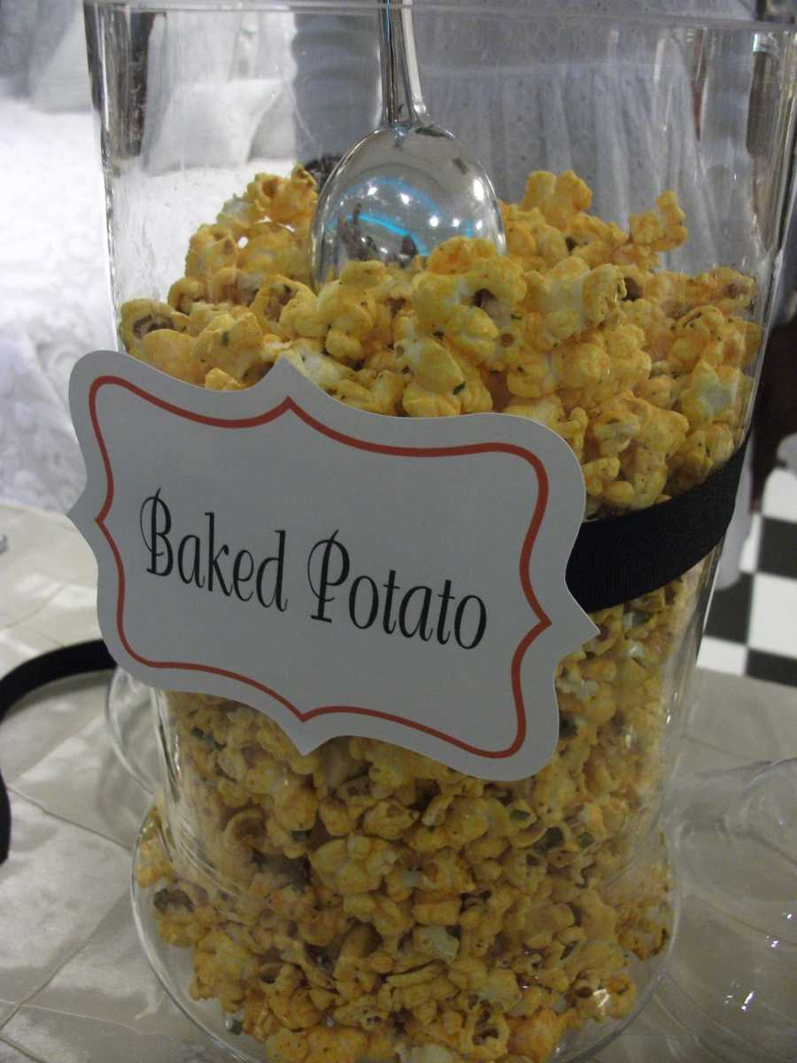 Don't miss out on these great flavors for your wedding parties and reception. (The Popcorn Fanatic)