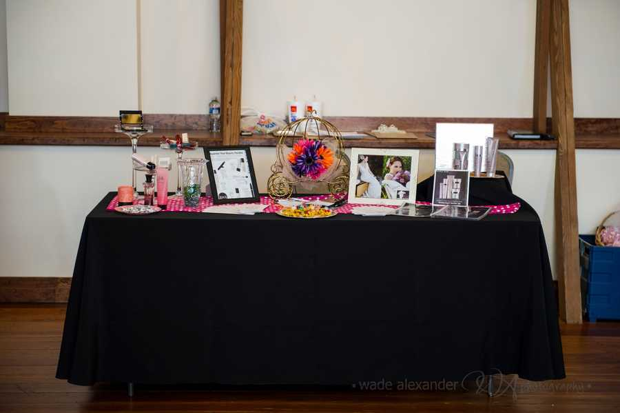 Many vendors were at the WinMock Bridal Show to help guests with all their wedding planning.