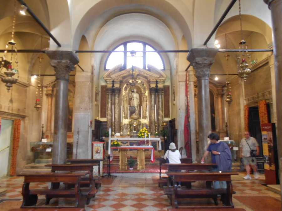 Inside Basilica di San Giovanni e Paoloin Venice, Italy. If the wedding planner can't get you married in one of these beautiful churches you can still go and get photos done for your wedding and/or honeymoon memories.