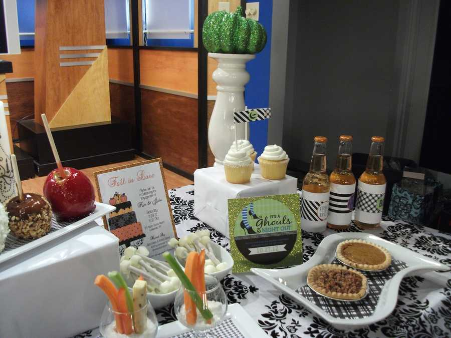 Sweet potato and pecan pies are great for serving to guests along with drinks with your wedding names and date labels. Drinks like apple or winter brews to go along with theFall, Halloween and Thanksgiving Themed Wedding. (See what elseE'MAGINE Weddings and Eventsis blogging about).