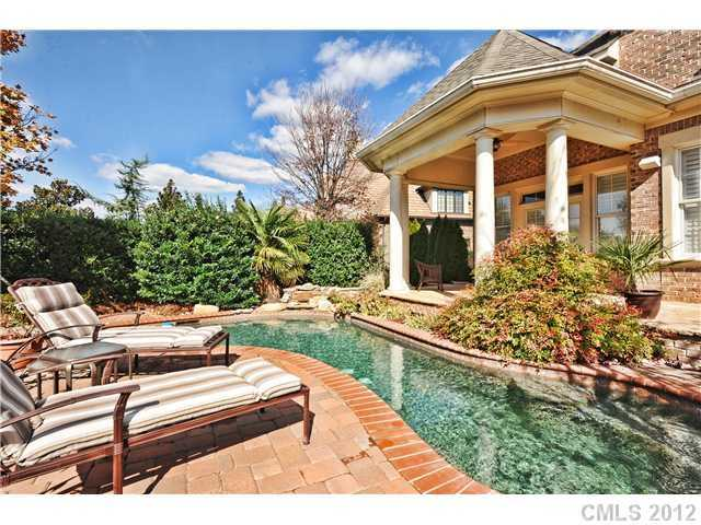 Outdoor Living Area with Swimming Pool