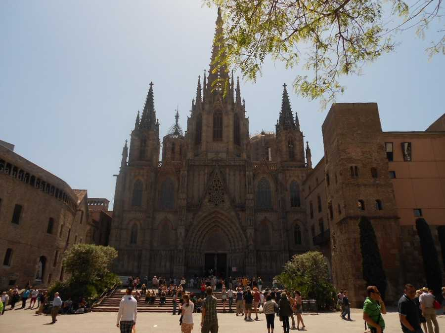 The Cathedral of Santa Eulalia (also called La Seu) would be a beautiful place for a destination wedding. Wedding photographs would be great in front of this amazing cathedral and inside.