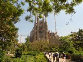 Diocesan architect Francisco de Paula del Villar (1828-1901) started the work.At the end of 1883 Gaudí was commissioned to carry on the works, a task which he did not abandon until his death in 1926. Since then different architects have continued the work after his original idea.