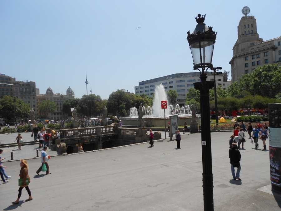 To find out the interesting things to do while on your honeymoon always go to the plazas to talk to the locals.