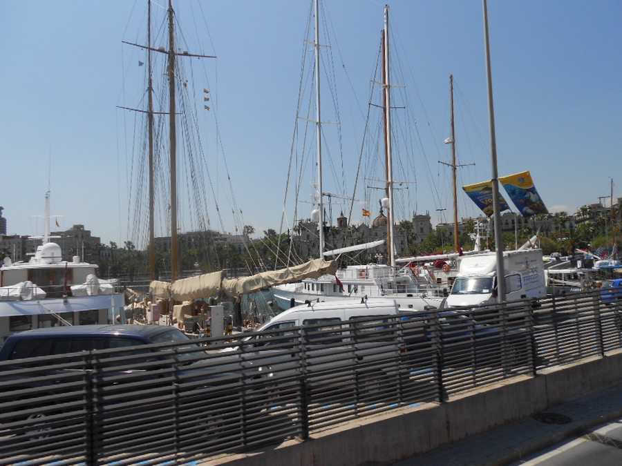 Beautiful boat docks to enjoy and maybe your wedding planner can get a boat wedding for a small group at sea or just a wedding party. Honeymooners can rent a boat out for an evening dinner or the weekend.